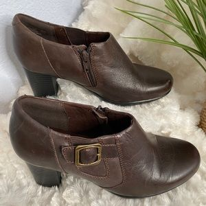 Clarks heeled ankle booties size 7.5